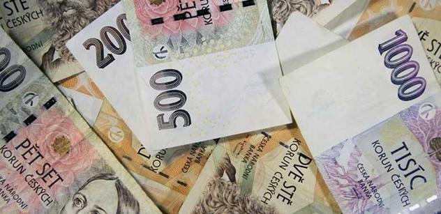 Přebytek rozpočtu dosáhl na konci července rekordních 75,6 mld. Kč