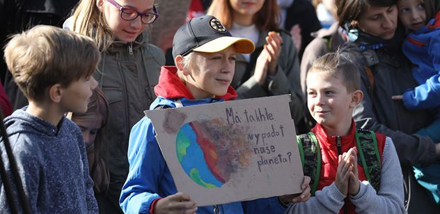 """""""Babiš s Havlíčkem zneužívají krizi!"""" Aktivisté rázně zakročí. Vyfotí se. A..."""