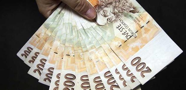 Vláda schválila státní rozpočet na rok 2017 se schodkem 60 miliard. Ekonomové varovně zvedají prst