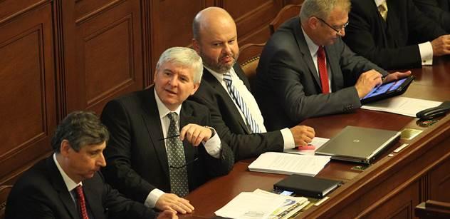 Ministři kandidující za SPOZ: Bojujeme s mocnou hydrou. S Kalouskem