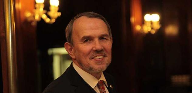 Petr Hájek: Justiční a policejní pučisté se smějí politikům, médiím i veřejnosti
