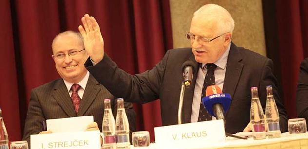 Klaus podepsal dodatek k chartě o kolektivních stížnostech