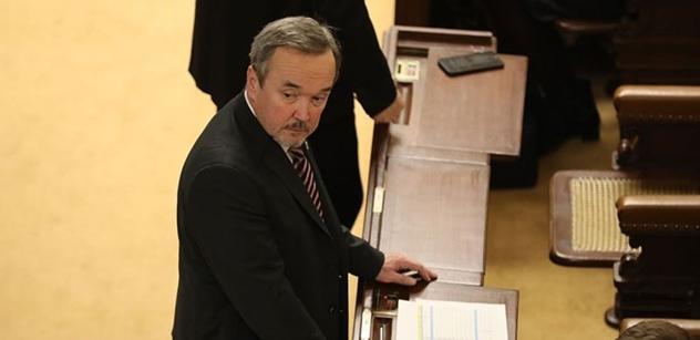 """Ti, co financují Milion chvilek a Člověka v tísni... Křičí o ochraně demokracie a sami po ní šlapou! Jiří Kobza připomíná, že kauza """"Křeček"""" nebyla první"""