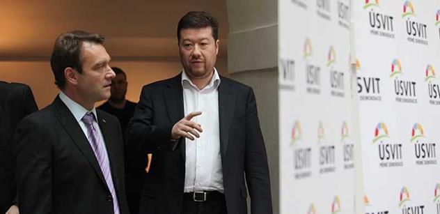 VÍME PRVNÍ Tomio Okamura zakládá novou politickou stranu