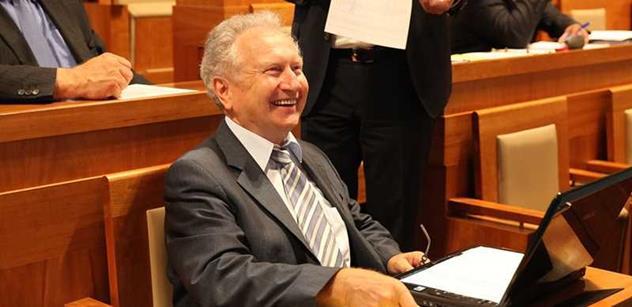 Obyčejný sedlák vyznává vyšší hodnoty než ministr Stropnický, zuří Veleba