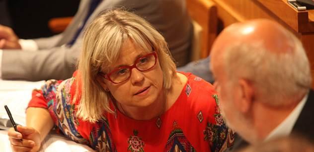 Europoslankyně ODS Vrecionová: Čína by měla být hnána k odpovědnosti. Tajili to, zavírali lékaře a novináře, a ještě z toho chtějí vydobýt politické body?