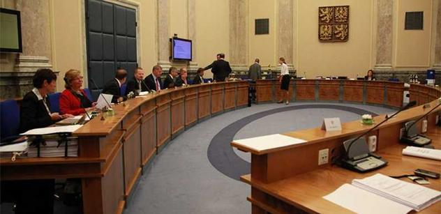 Vláda projedná návrhy rozpočtů dopravního fondu a fondu bydlení