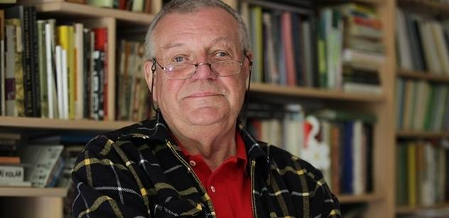 Karel Hvížďala: Odposlouchávání novinářů je nezákonné, ale zamlčení zdroje je také chybné