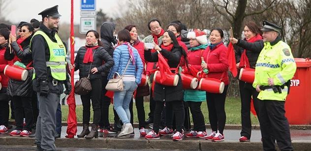 Pražskou místostarostku napadli agresivní Číňané. O traumatický zážitek se podělila s fórem Pavla Šafra