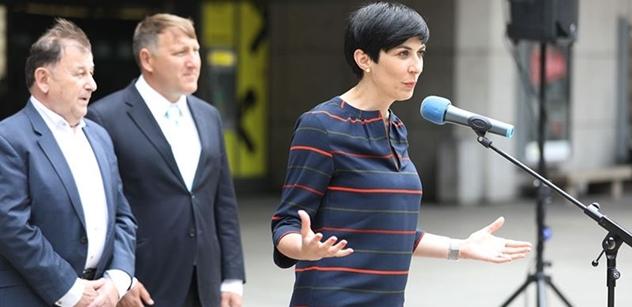 Pekarová podpořila Vystrčila: Už dokázal, že neohne hřbet. Ani před silnými tlaky