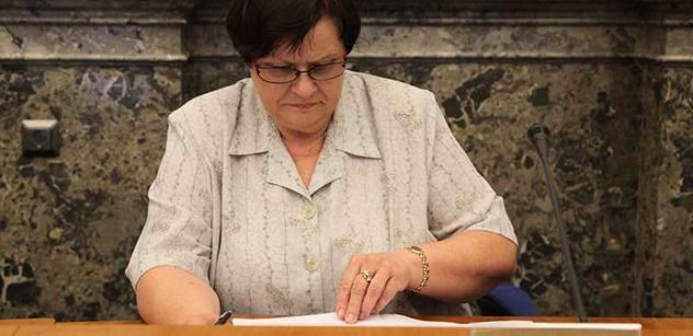 Naštvaná Vitásková u Zemana narazila. Zachránit ji může jen Benešová