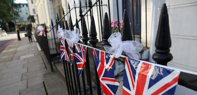 Největší událost roku se šťastně završila! Britská média píší o královské svatbě. Politici nebyli pozváni