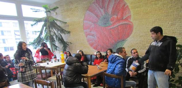 Amnesty International odsoudila reakci Chládka na zprávu o diskriminaci Romů