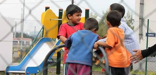 Začleňování Romů: Často mají výuku pro mentálně postižené