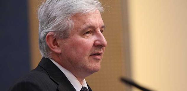 Vláda odložila debatu o zvýšení odvodů za státní pojištěnce