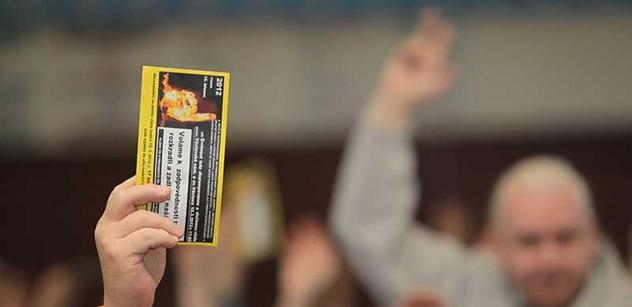 Zhasněte světla, burcuje lidi k domácímu protestu Holešovská výzva