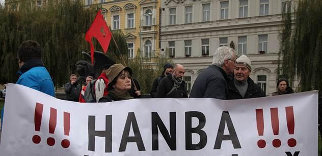 Zeman si podle premiéra nemá co vyčítat s demonstranty proti sobě