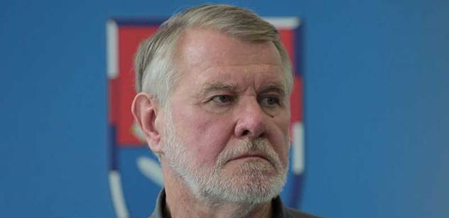 Senátor Štětina byl agent StB, pronesl Grebeníček ve sněmovně. A zde je odpověď