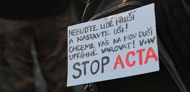 Válka o informace. ACTA měla chránit především zisky, píše exsenátor
