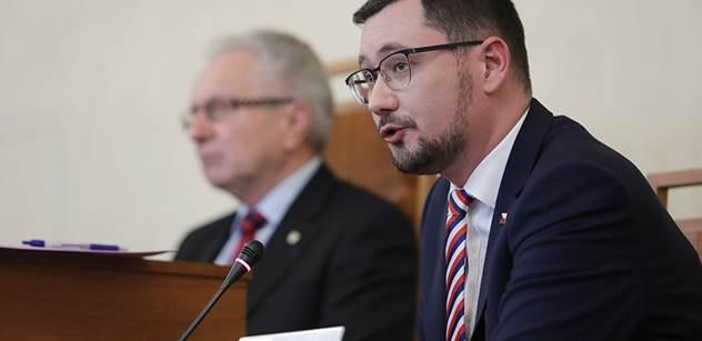 Ovčáček: Prezident Zeman pozval španělského krále na návštěvu Prahy