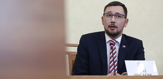 Ovčáček burcoval demonstranty u sochy Koněva: Nenechte se odradit, že vás budou urážet, označovat za extremisty a ruské trolly!