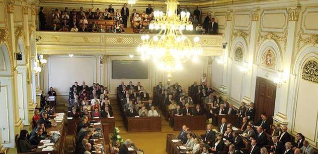 Ve stranách i sněmovně se bude jednat o cestě k předčasným volbám