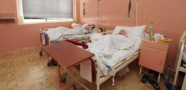 Zdravotničtí odboráři: Ať jde ministr Heger o dům dál! Jinak budeme stávkovat