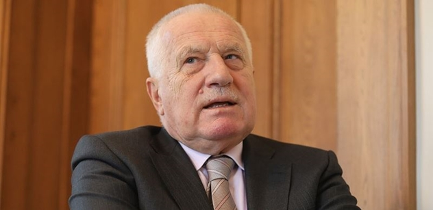 Brutální sólo Václava Klause v ČT: Na Staromáku chtěli 28. října vyvolat konflikt. Brady nikoho nezajímal. A v tom pořadu ČT lžou, lžou a permanentně lžou