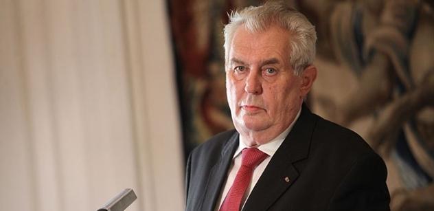 Zeman, Stropnický, Kmoníček a Zaorálek jednali na summitu NATO s afghánským prezidentem