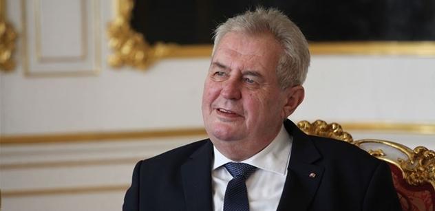 Zpěváci Dusilová a Koller kritizovali v živém přenosu Zemana. Zakročil okamžitě Ovčáček