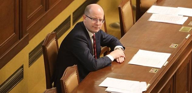 Premiér Sobotka bude s předsedou Evropské komise hostit Pražskou konferenci o obraně a bezpečnosti