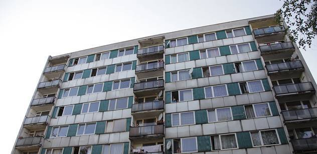 Obyvatelé Písnice chtějí demonstrovat proti prodeji bytů ČEZ