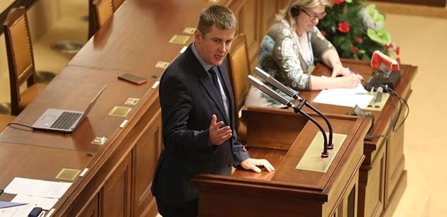 Petříček slibuje: ČSSD bude alternativou populistům, třeba mladému Klausovi