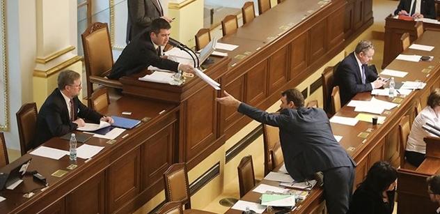 Sněmovna neodmítla zavedení trestu za podporu nenávistné ideologi, rozšíření trestního zákoníku dnes prosadilo SPD