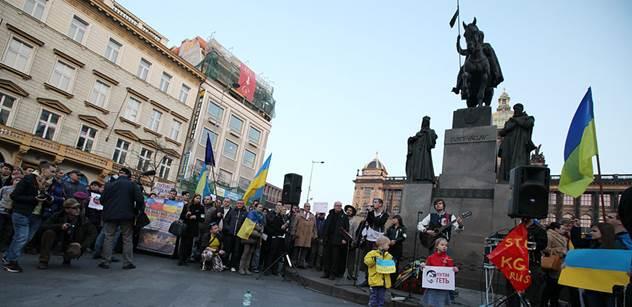 Moskva kritizuje Ukrajinu za Doněck, chce bránit krajany
