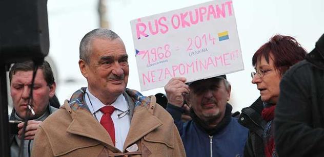 Kalouskovi nikdy nic neprokázali, ani ty padáky, vzkázal kníže Schwarzenberg. A odletěl na Ukrajinu