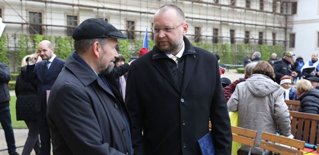 Lidovec Bartošek řádil: S kým se měl Nejedlý v Moskvě setkat? Kdo mu to platí?