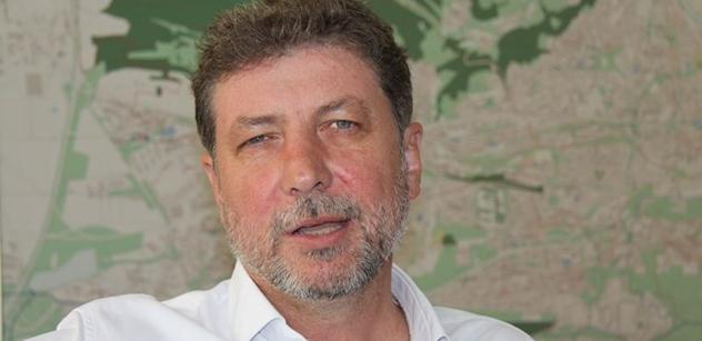 Místostarosta Lacina, co odstranil Koněva: V Maďarsku a Polsku vidíme, jak je jednoduché hacknout stát. Proto Antibabiš