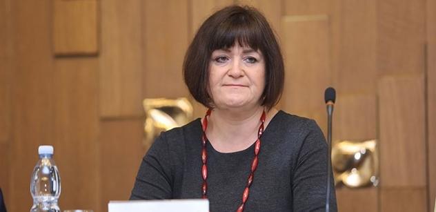 Všechny vyspělé státy sledují dezinformace, říká Helena Langšádlová. A potřebujeme prý také aktivnější soudy při rušení webů