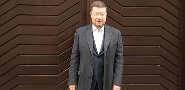 Zadrželi další nelegální migranty v ČR, upozornil Okamura s výtkou na Hamáčka