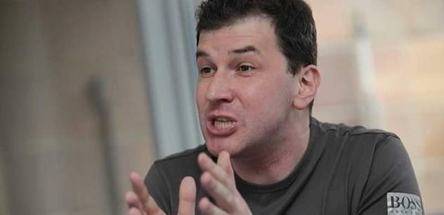 """Miroslav Kulhavý: """"201. poslanec"""" Jakub Železný """"griloval"""" Stanislava Křečka"""