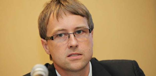 Šéf UVDL: Lihovin nelegálního původu byla loni čtvrtina, ne pětina