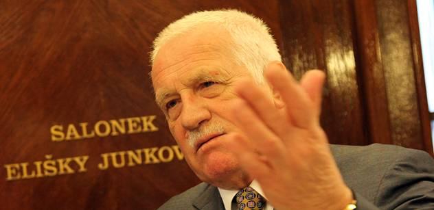 Bouře po nejostřejším vyjádření Václava Klause k Ukrajině: Zapojili se i Kalousek, Stropnický, Okamura a Huml