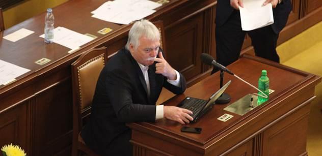 Exministr Urban: Babiš se snaží přenést odpovědnost za EET na ČSSD. Ale je to jeho akce. A jestli to zkolabuje...