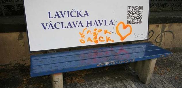 Lavičky Václava Havla za 30 tisíc... Disident nemohl mlčet. Čtěte