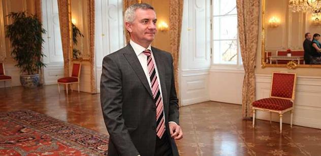 Na jednání podvýboru týkajícím se ovlivňování soudců Hradem dorazili Mynář i soudci Baxa a Šimíček