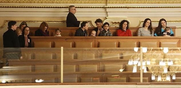 O zrušení zákazu prodeje rozhodne Sněmovna asi až v březnu