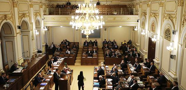 Poslanec ANO požádá sněmovnu, aby ho vydala