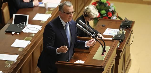 """""""Pane premiére, nechápu, kde berete tu drzost a zpupnost!"""" Babiš vtipkoval ve Sněmovně a Kalousek se rozpálil do běla"""