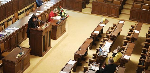 Sněmovna by měla schvalovat změny v EET a e-neschopenky
